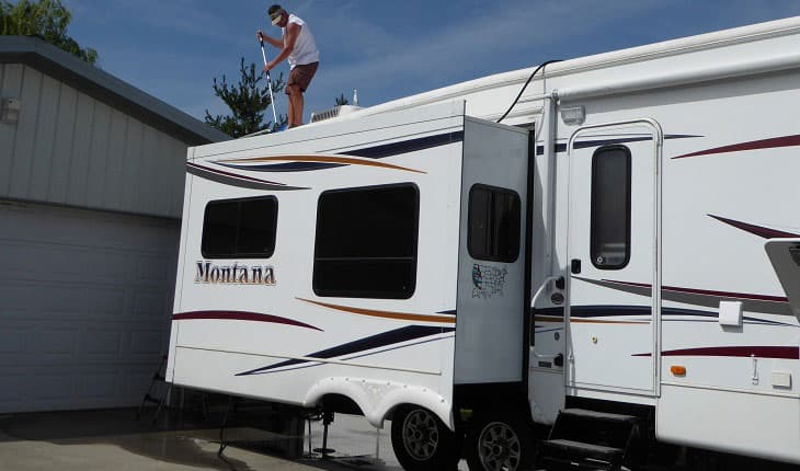 Best RV Roof Cleaner Reviews 2019: Top 10+ Recommended