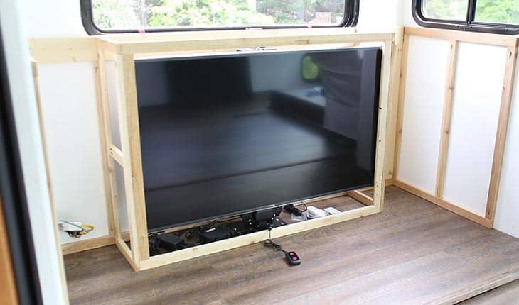 best-12-volt-tv-for-rv