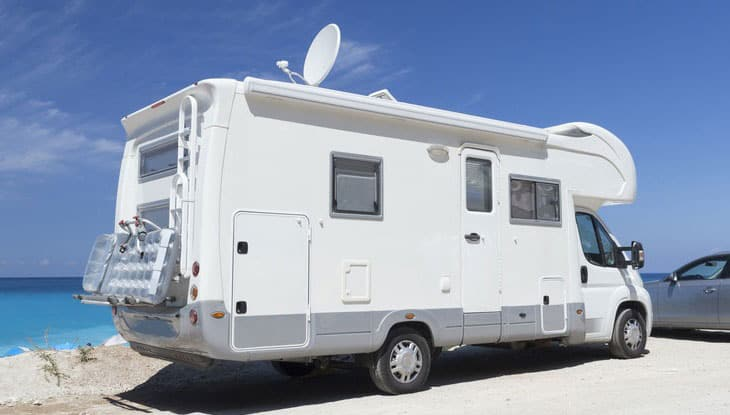 how-to-choose-the-Best-TV-Antenna-for-RV