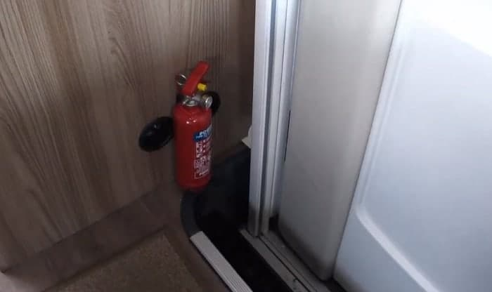 camping-fire-extinguisher