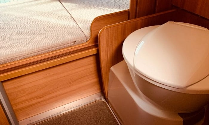 rv-compost-toilet