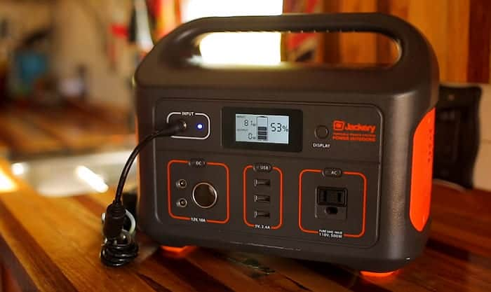 best-solar-generator-for-camping